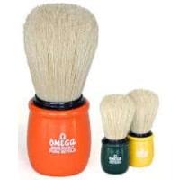 pennello-da-barba-in-setola-con-manico-in-plastica-omega-10051